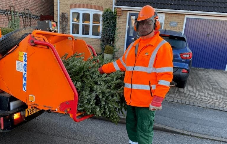 Council supports Lindsey Lodge's Treecycling scheme