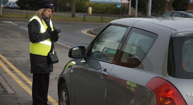 Crackdown on dangerous school parking
