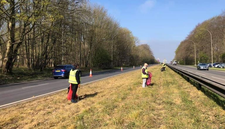 Fantastic results for Earth Day from mass litter-pick and wildflower operation